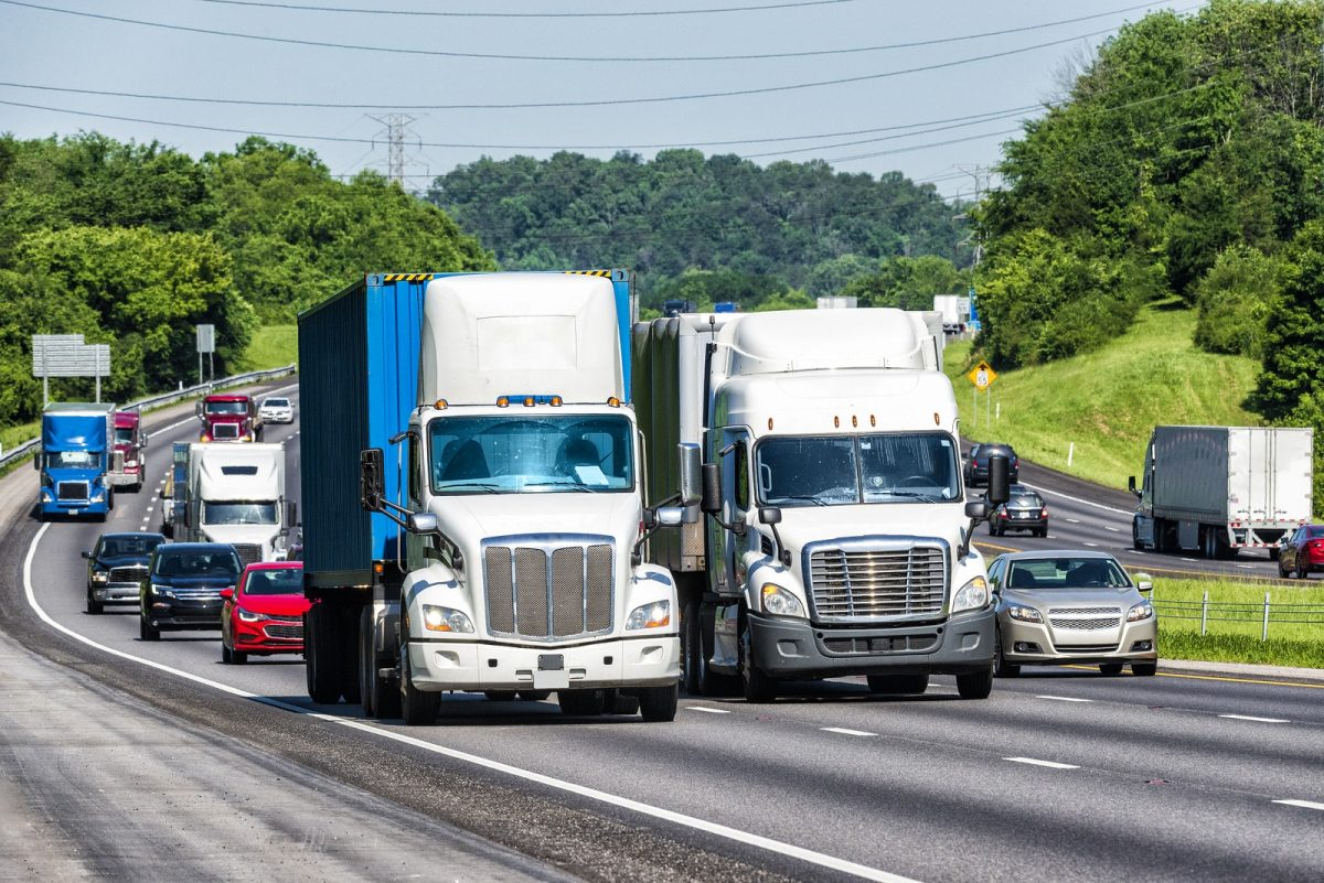 Safety Tips for Trucking in Traffic