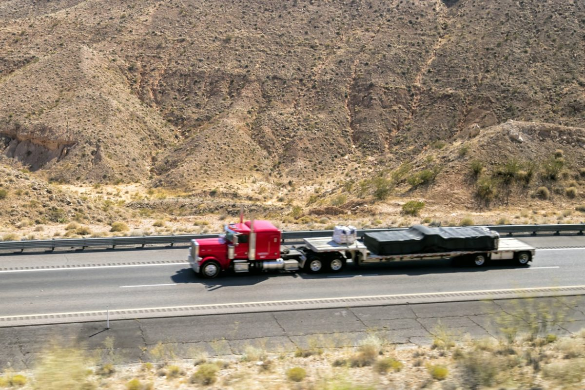 Important Insurance Considerations for Flatbed Trucks